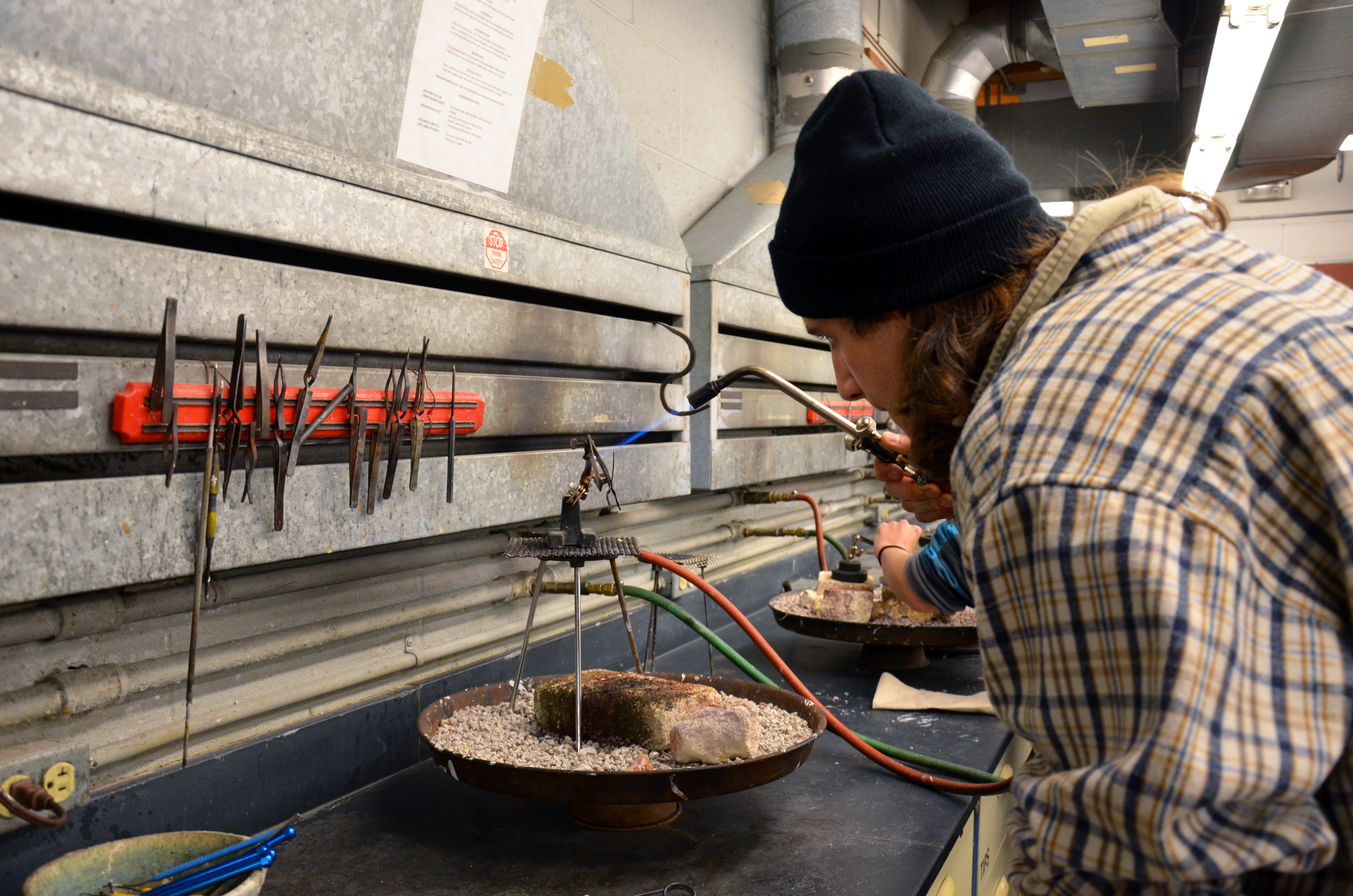 teaching metalsmithing Experts demonstrate metalsmithing processes and techniques the second saturday of every month boulder metalsmithing association is a 501(c)(3) colorado non-profit, dedicated to teaching people about metalsmithing we're made up of professional and emerging artists, educators, students.