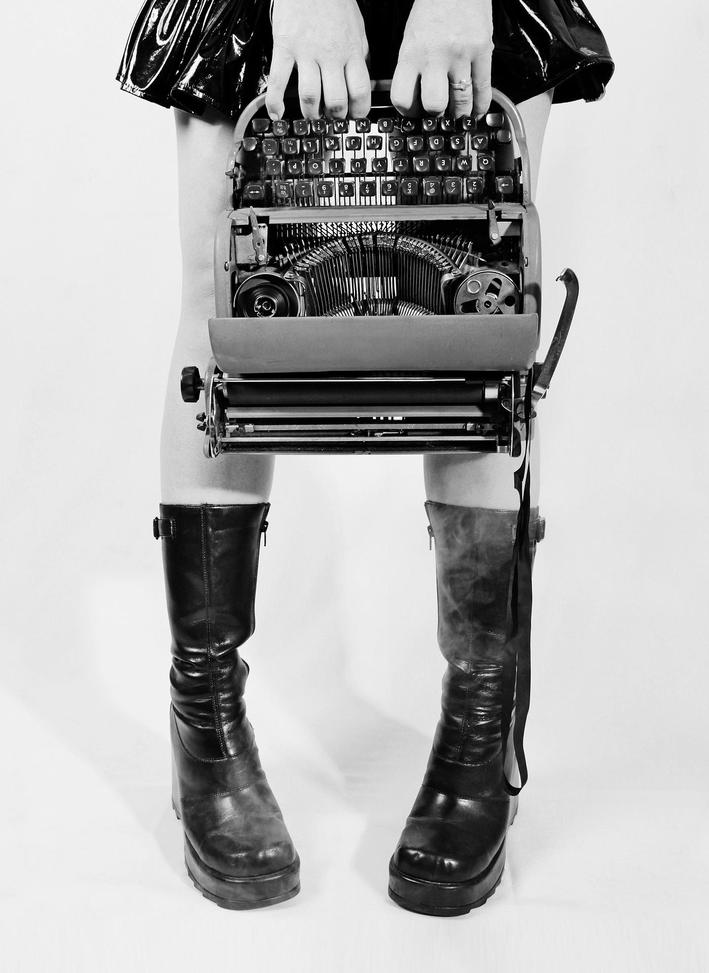 Punk Typwriter B&W
