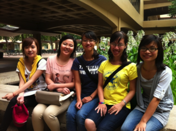 Photo of Zin, Huyen, Ngoc, Ha, Lin