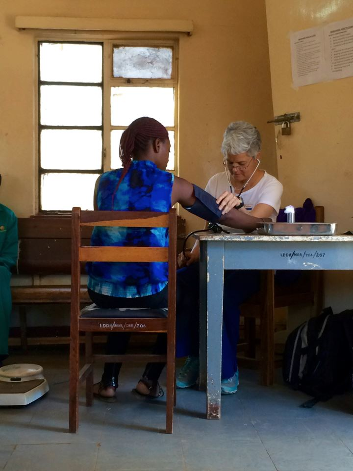 Professor Brinks working in a clinic in Zambia