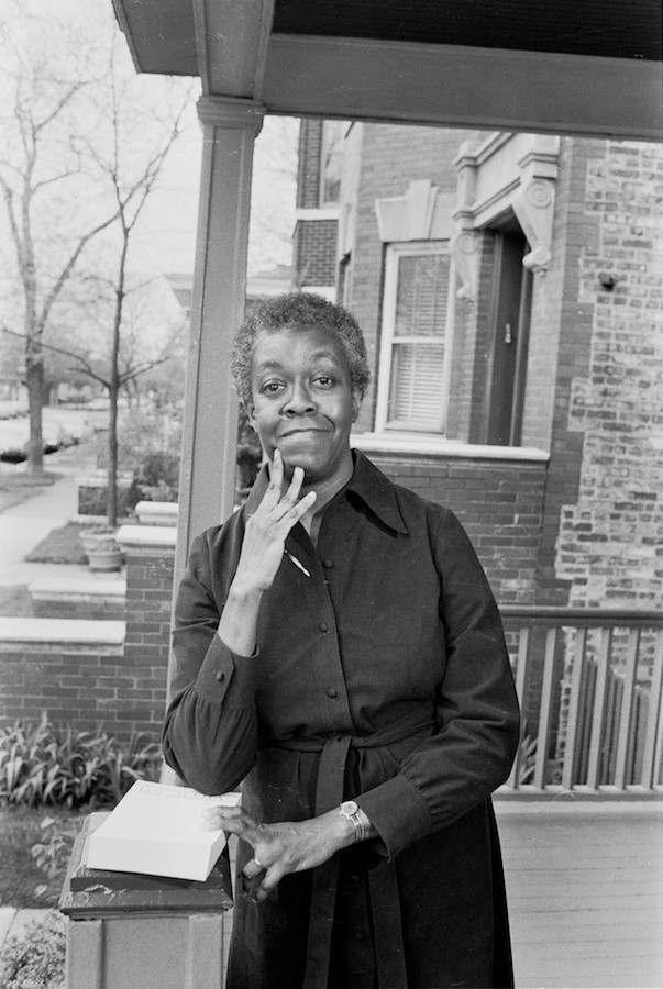 a biography of gwendolyn brooks an american poet An african american poet gwendolyn elizabeth brooks was an american poet use information from this biography to answer.