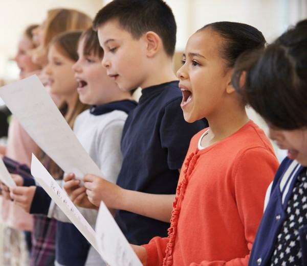 children singer in chorus