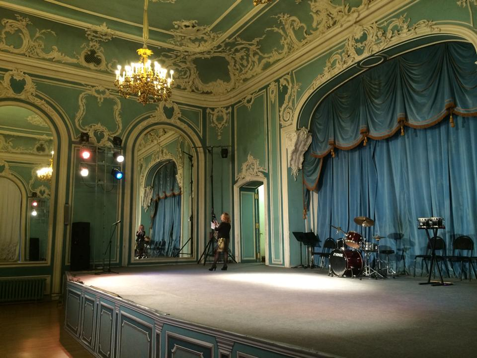 Beloselsky-Belozersky Palace performance hall.