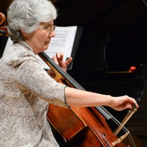 Barbara Thiem playing the cello