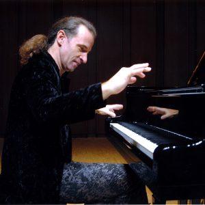 Kemal Gekic playing the piano